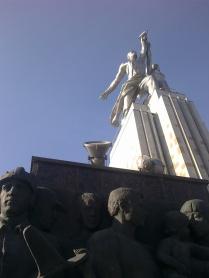 Worker and Kolkhoz Woman (Rabochiy i Kolkhoznitsa) by Vera Mukhina