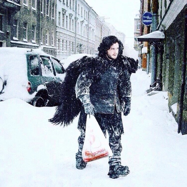 John Snow coming back home from Pyaterochka.