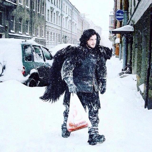 John Snow coming back home from Pyaterochka.